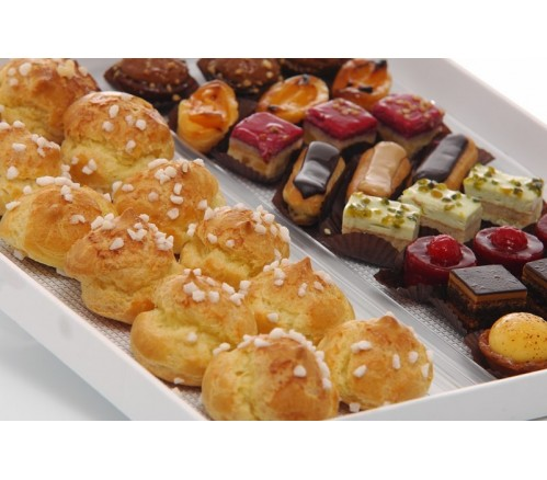 CHOUQUETTES & PETITS FOURS